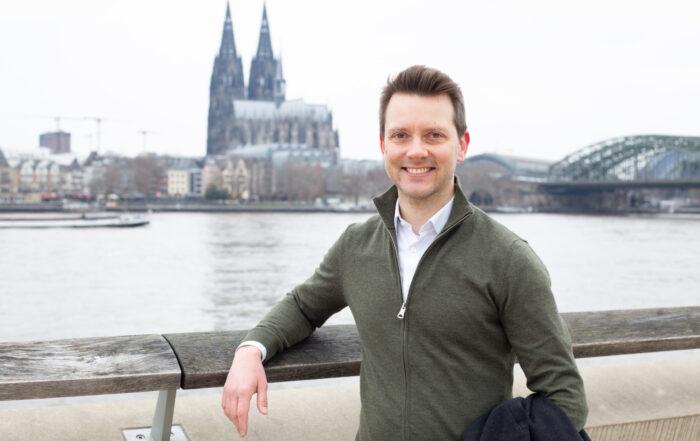 Simon Bujanowski, Rheinboulevard Deutz, Dom
